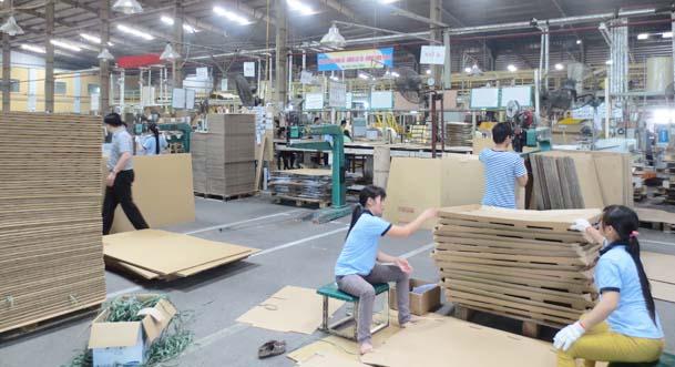 quá trình sản xuất thùng carton